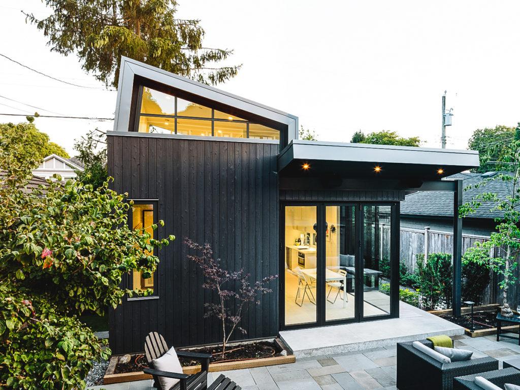 Laneway House Projekt Yakisugi Fassade